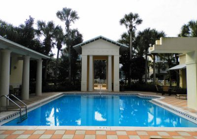 Vacation homes with a pool in Destin FL