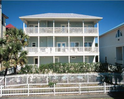 Hollywood vacation home in Destin FL